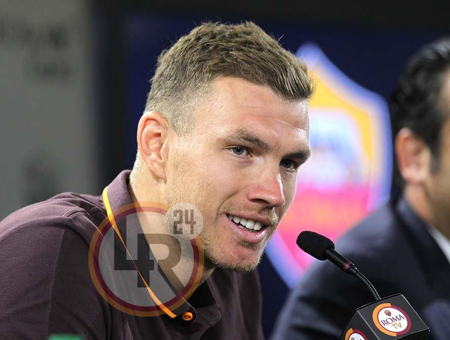 La Roma risolve la pratica Chievo: 4-1 all'Olimpico, giallorossi a +4 sull'Inter