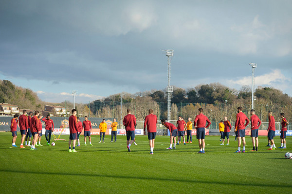 as-roma-training-session-252