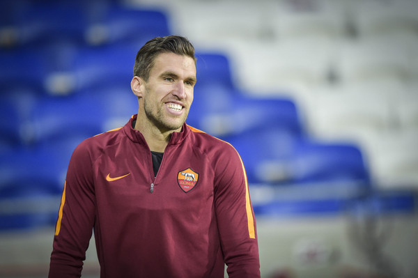 as-roma-training-session-and-press-conference-36