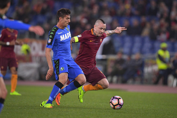 as-roma-v-us-sassuolo-serie-a-14