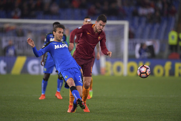 as-roma-v-us-sassuolo-serie-a-7