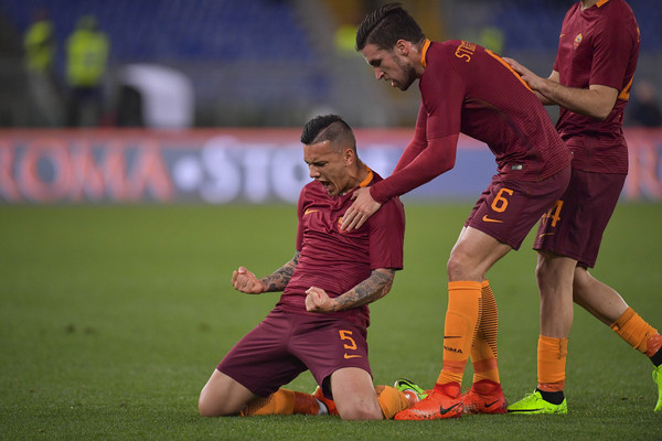 as-roma-v-us-sassuolo-serie-a-13