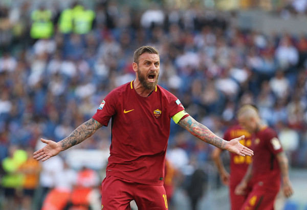 as-roma-v-genoa-cfc-serie-a-14