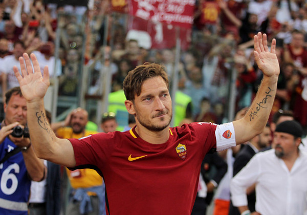 as-roma-v-genoa-cfc-serie-a-16