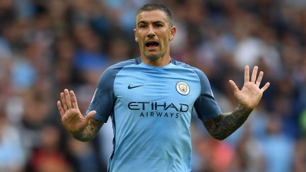 kolarov-man-city