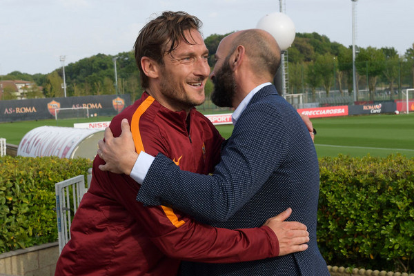 as-roma-training-session-333