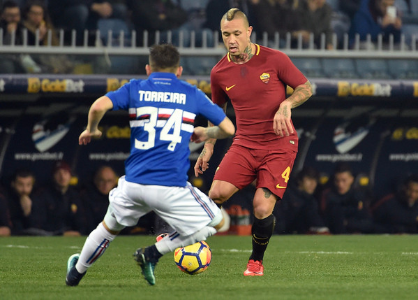 uc-sampdoria-v-as-roma-serie-a-37