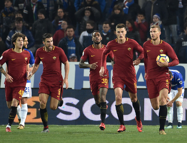 uc-sampdoria-v-as-roma-serie-a-45