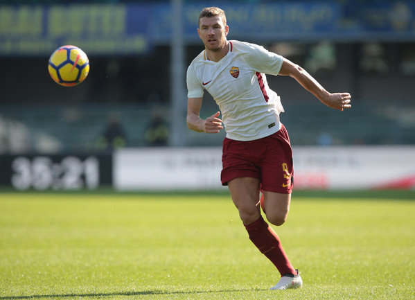 hellas-verona-fc-v-as-roma-serie-a-21