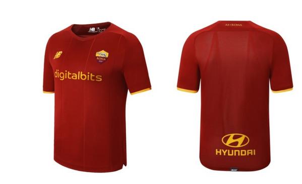 FOTO - La nuova maglia della Roma in prevendita su un sito ...